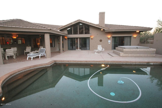 Reverse Angle Pool Hose