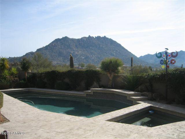 Pool Hose with Mountain Views