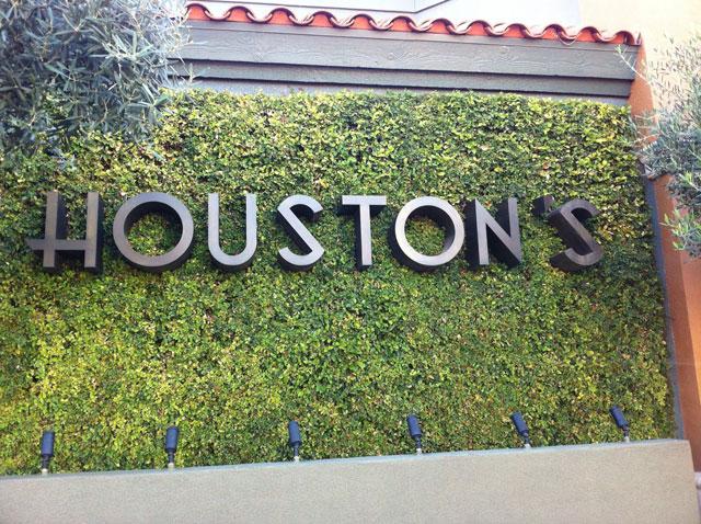 Houston's | Scottsdale Road and McDonald