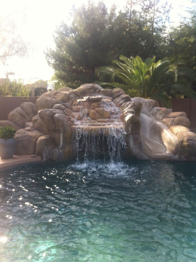 Paradise Valley Swimming Pool With Waterslide