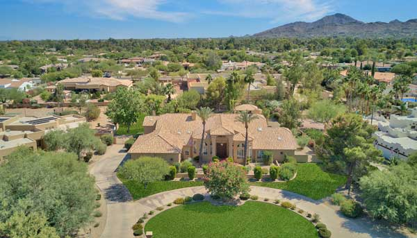 6921 E Berneil Dr Paradise Valley Arizona 85253. Presented By The Marta Walsh Group Russ Lyon Sotheby's International Realty.